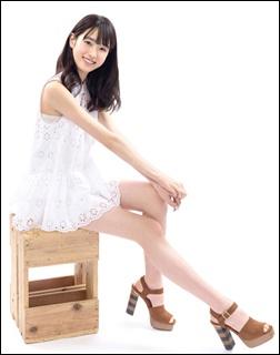 髙橋ひかる、脚、黒髪、美女