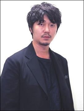 新井浩文、違約金、引退、復帰